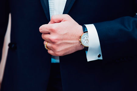 Как выбрать часы для переговоров?