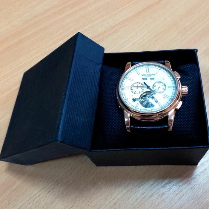 Почему нельзя дарить часы любимому человеку?